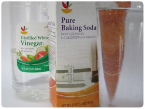Cleaning with Baking Soda Vinegar Water